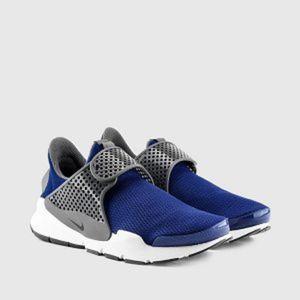 Women's/GIrls Nike Sock Dart (Size 7y/8.5)